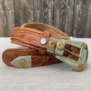 Accessories - Belt/Vintage/Tooled Leather/Silver&Gold Buckle